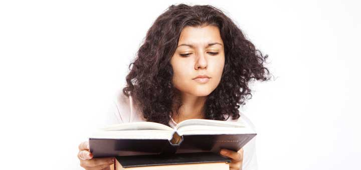 19 Christian Fiction Authors Moms Love to Read!