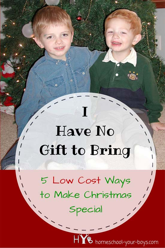 Looking for some low cost ways to make Christmas special? Click through to find 5 ways to make some cherished memories without breaking the bank! | low-cost christmas ideas | christmas activities | christmas |